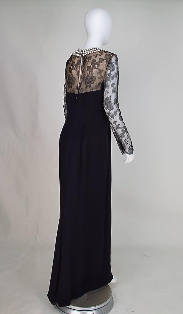 Bill Blass black lace and silk chiffon gown with pearl applique necklace 1970s In Excellent Condition For Sale In West Palm Beach, FL