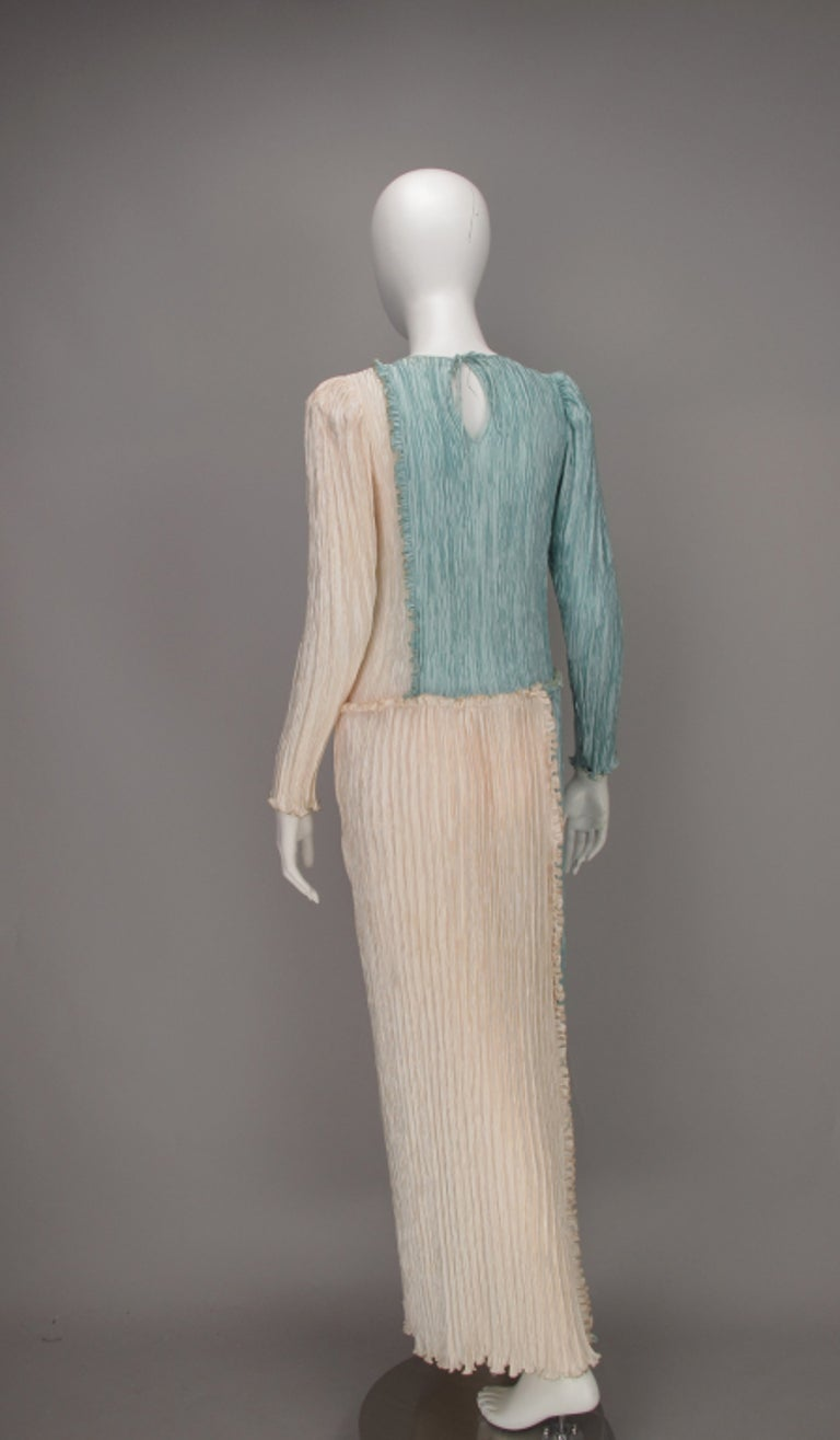 Mary McFadden Pleated Fourtuny Style Colour Block Gown 1980s In Excellent Condition For Sale In West Palm Beach, FL
