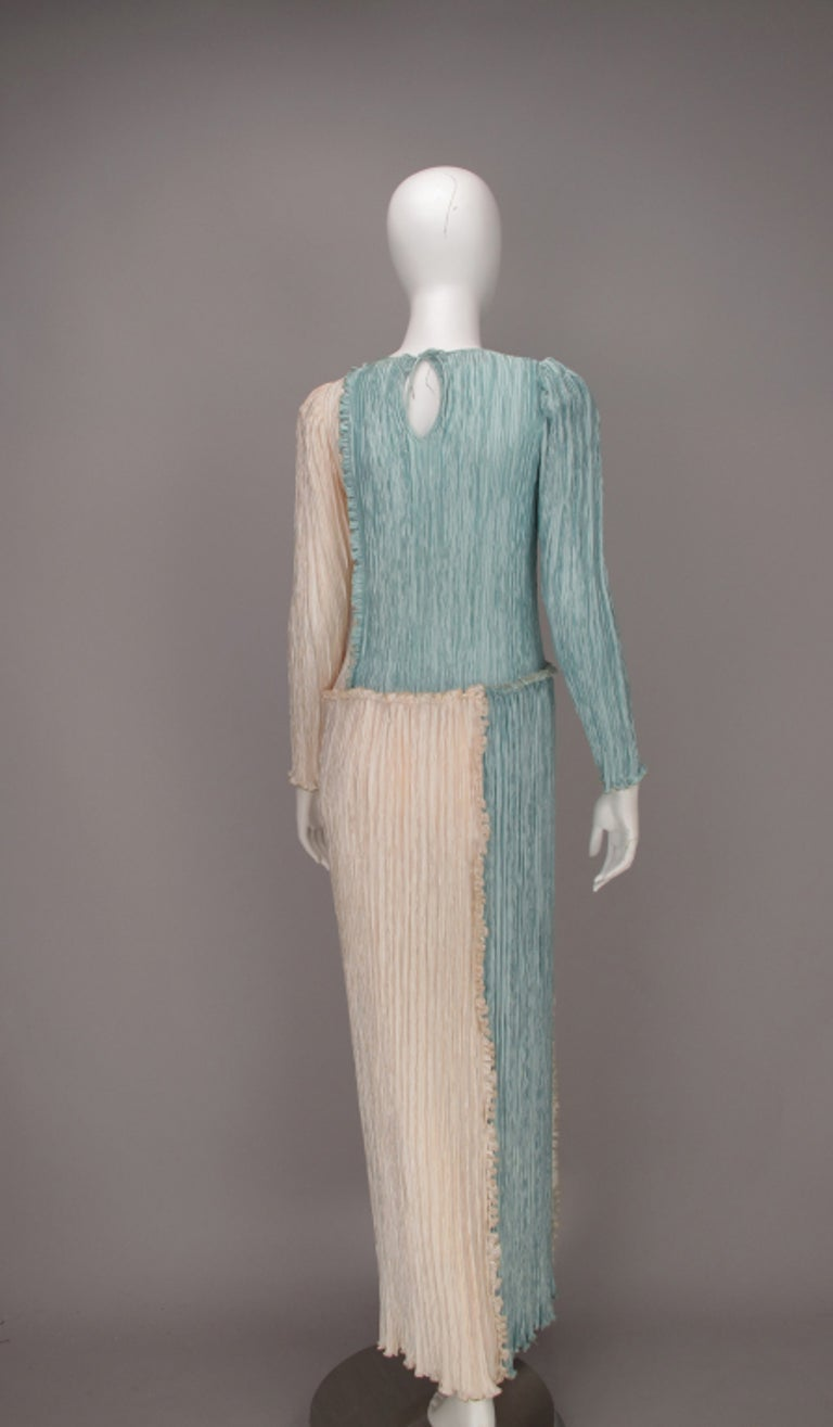 Women's Mary McFadden Pleated Fourtuny Style Colour Block Gown 1980s For Sale