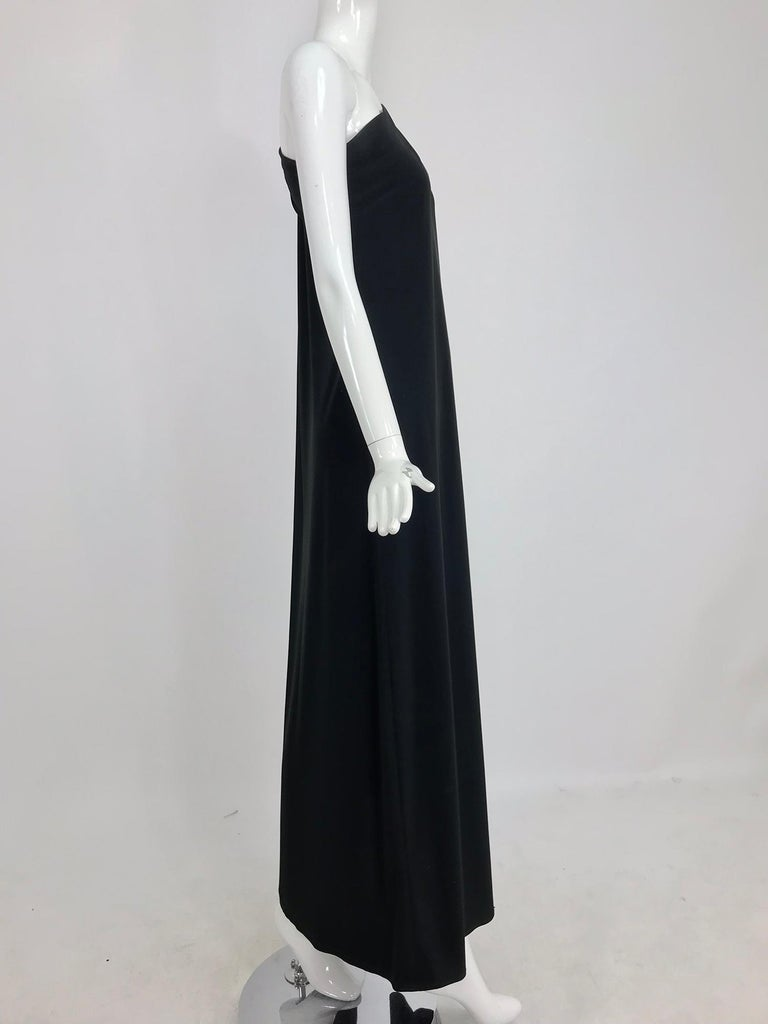 Black Adele Simpson black jersey one shoulder gown with jewel clasp For Sale