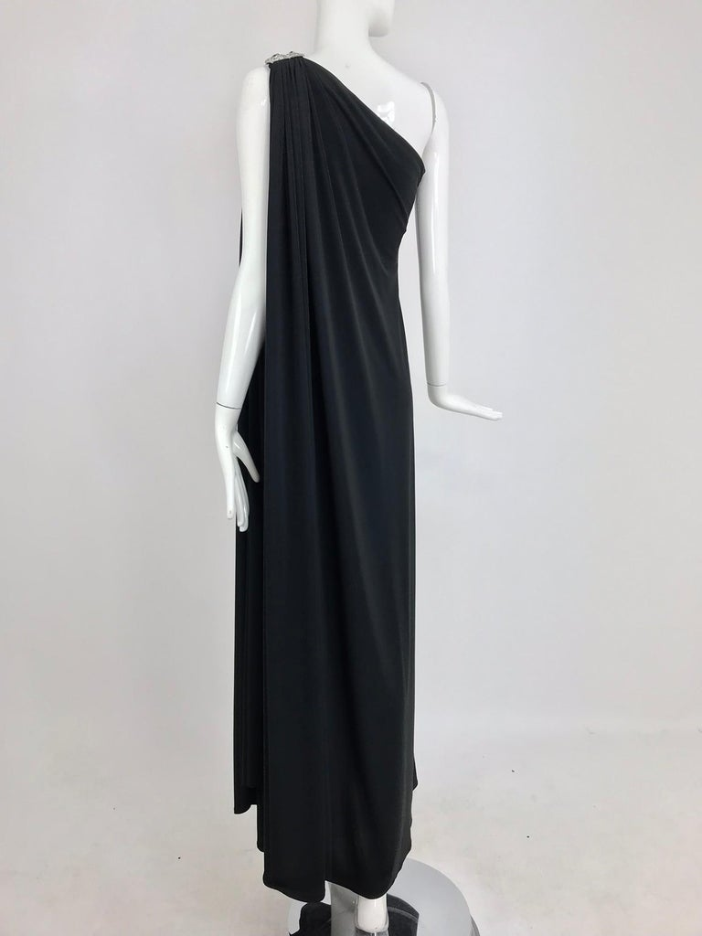 Adele Simpson black jersey one shoulder gown with jewel clasp For Sale 4