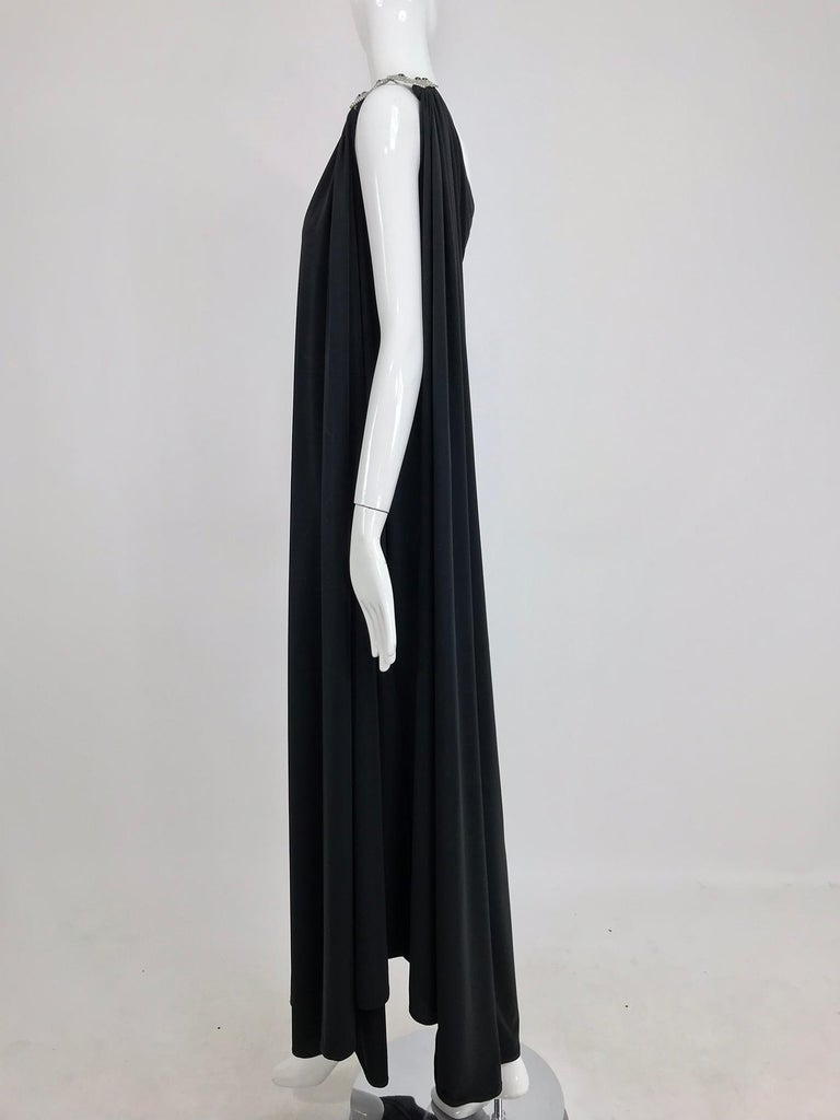 Adele Simpson black jersey one shoulder gown with jewel clasp For Sale 7