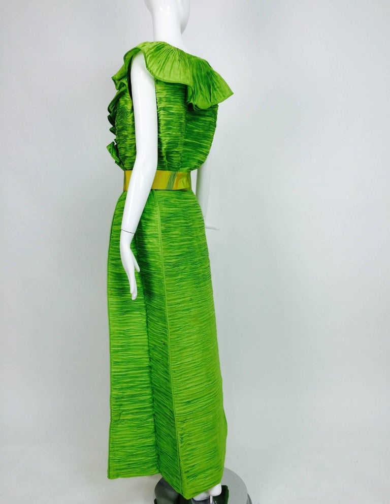 Sybil Connolly Dublin 2pc green pleated linen evening dress 1960s In Good Condition For Sale In West Palm Beach, FL