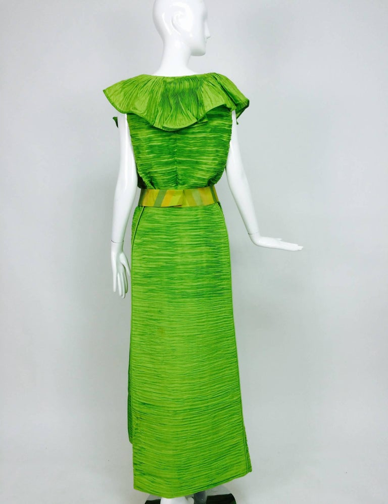 Women's Sybil Connolly Dublin 2pc green pleated linen evening dress 1960s For Sale