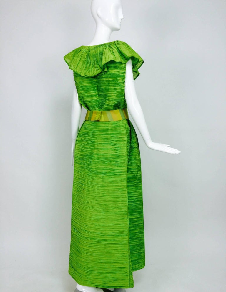 Sybil Connolly Dublin 2pc green pleated linen evening dress 1960s For Sale 1