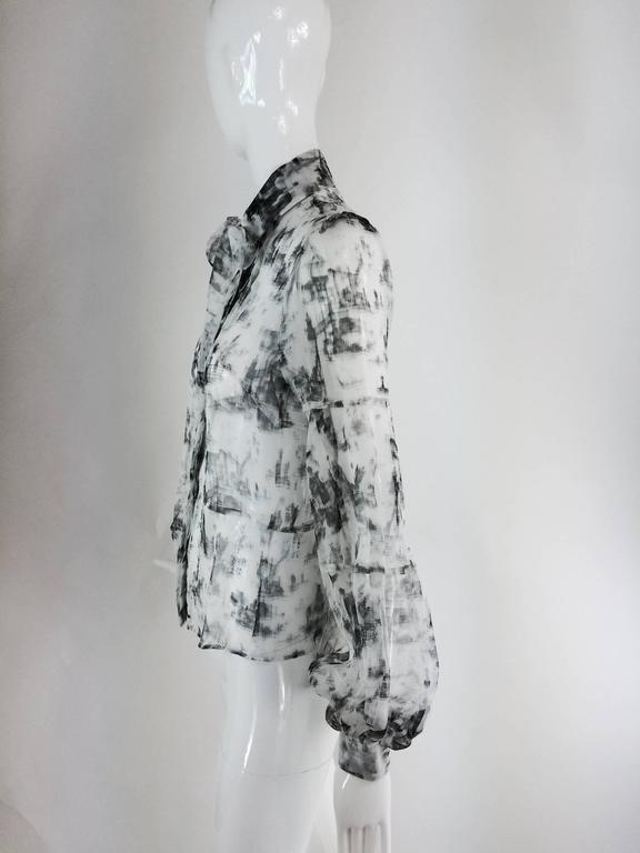 Valentino Hiver 2008 black & white organza blouse In Excellent Condition For Sale In West Palm Beach, FL