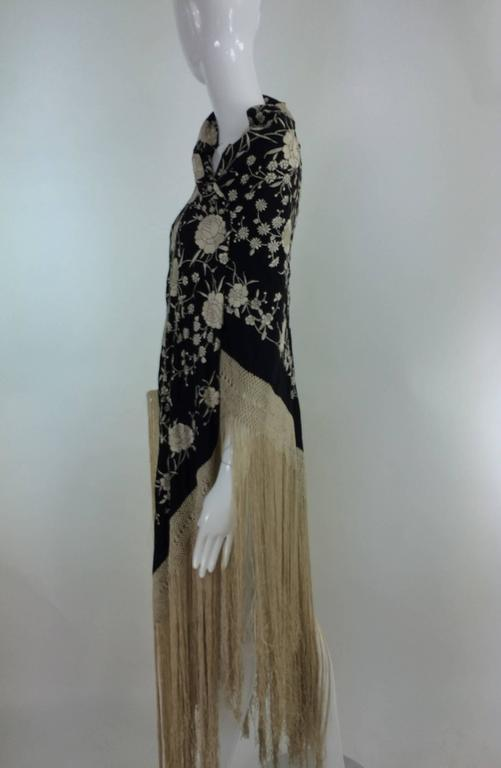 Black & white floral silk Hand Embroidered Canton Piano Shawl 1920s For Sale 2