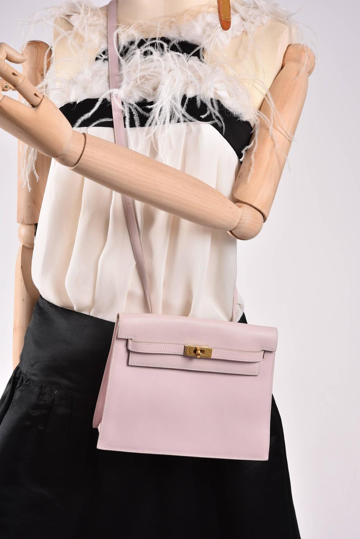 e353b2d0ffec ... promo code for the kelly hermes bag hermes handbag birkin 30 taurillion  clemence red gold hardware