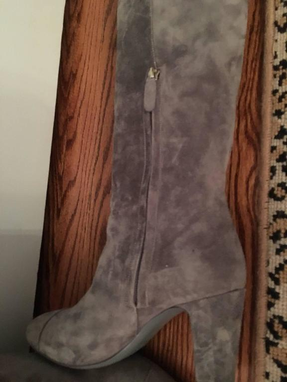 Contemporary Chanel High Boots in Gray For Sale 2