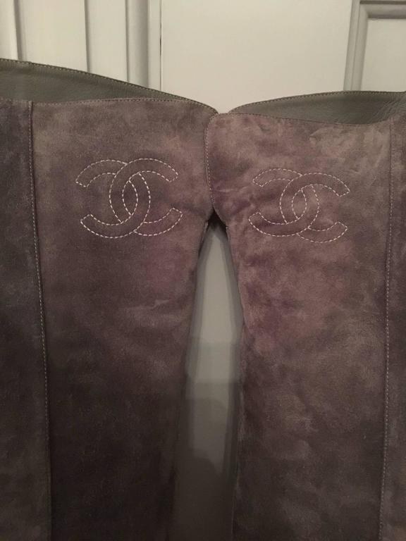 Contemporary Chanel High Boots in Gray For Sale 5