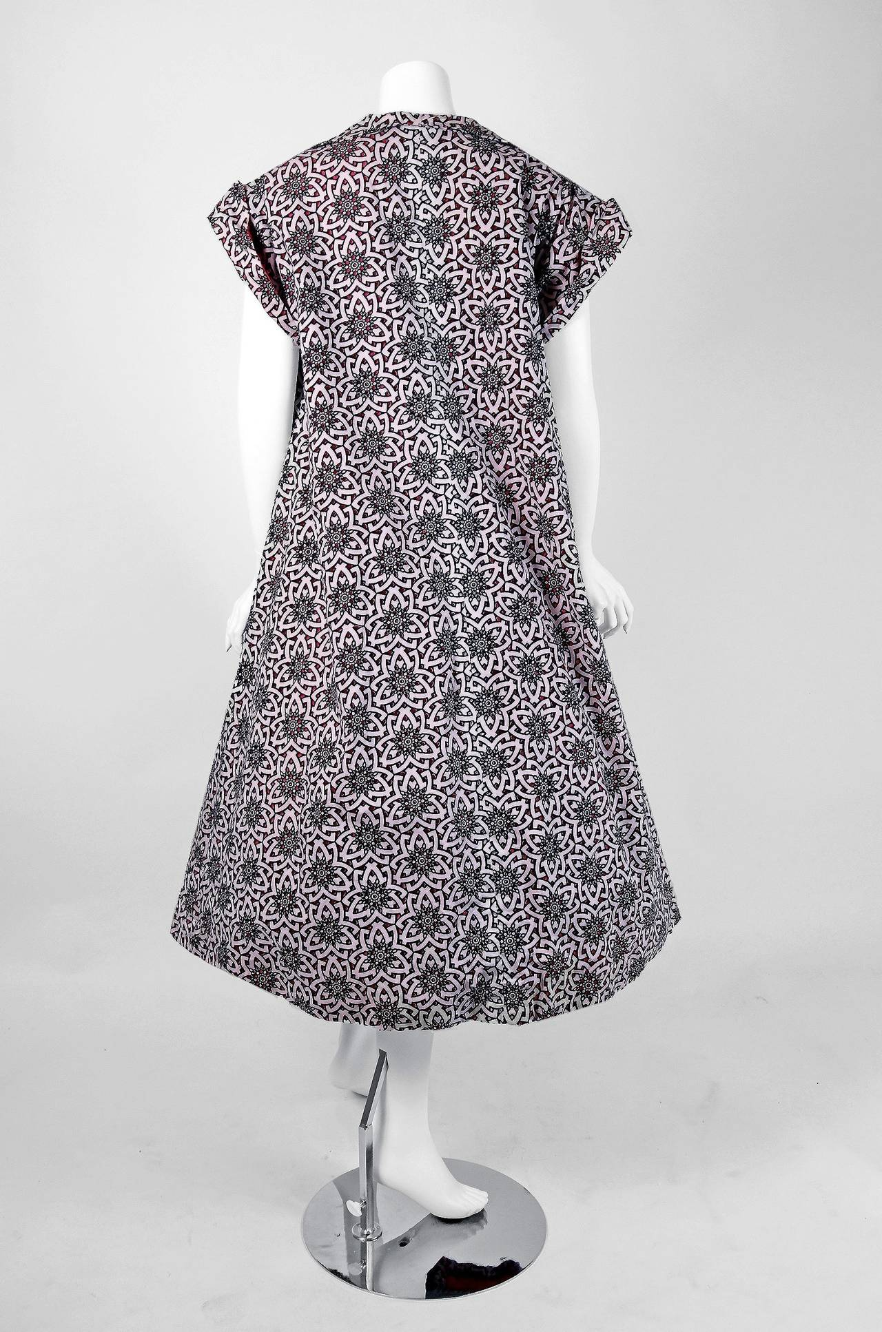 1950's Lilli Diamond Atomic Novelty Cutwork Cotton Strapless Sun Dress & Coat For Sale 1