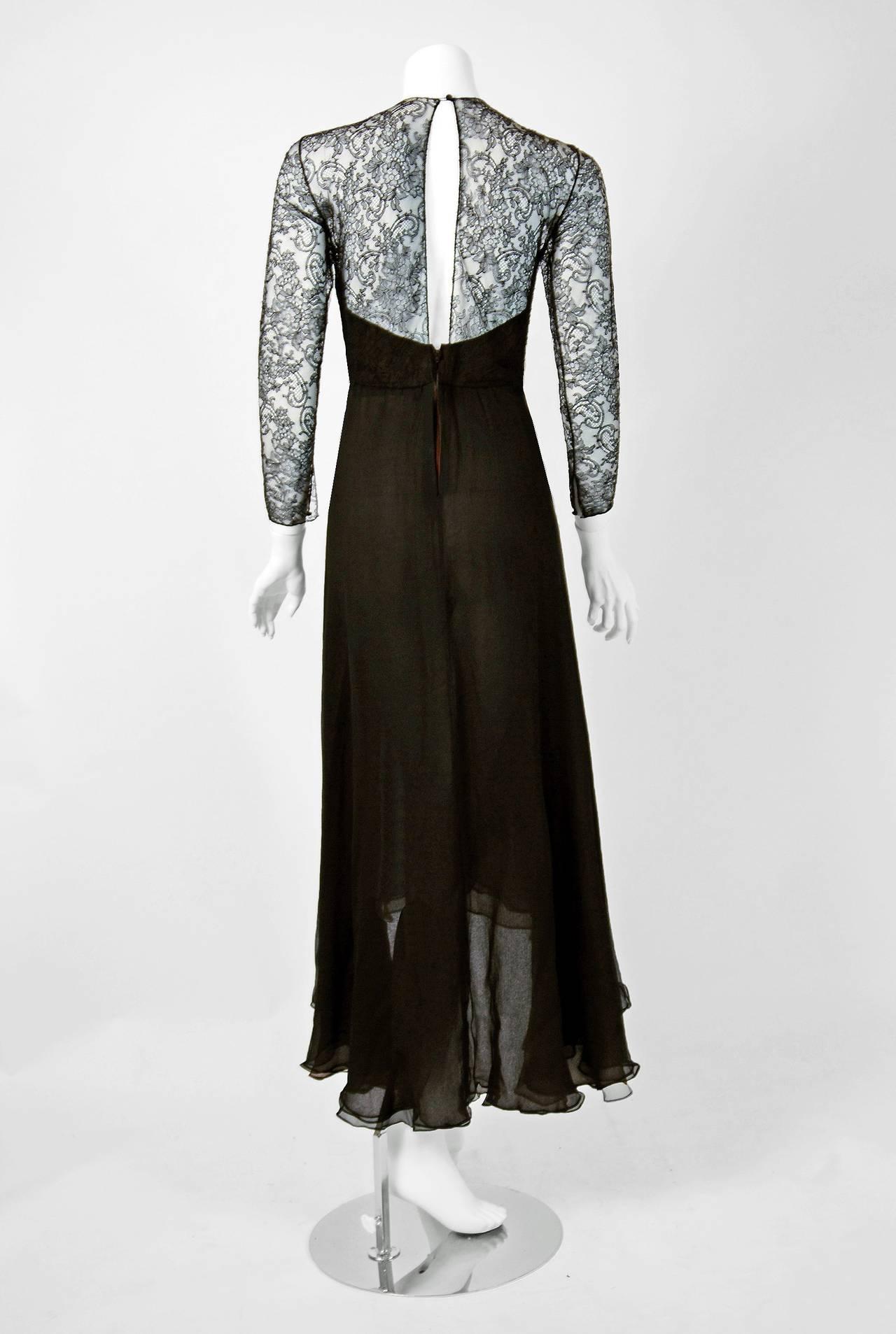 Women's 1990's Oscar de la Renta Black Lace Illusion & Mocha Silk-Chiffon Sculpted Dress For Sale