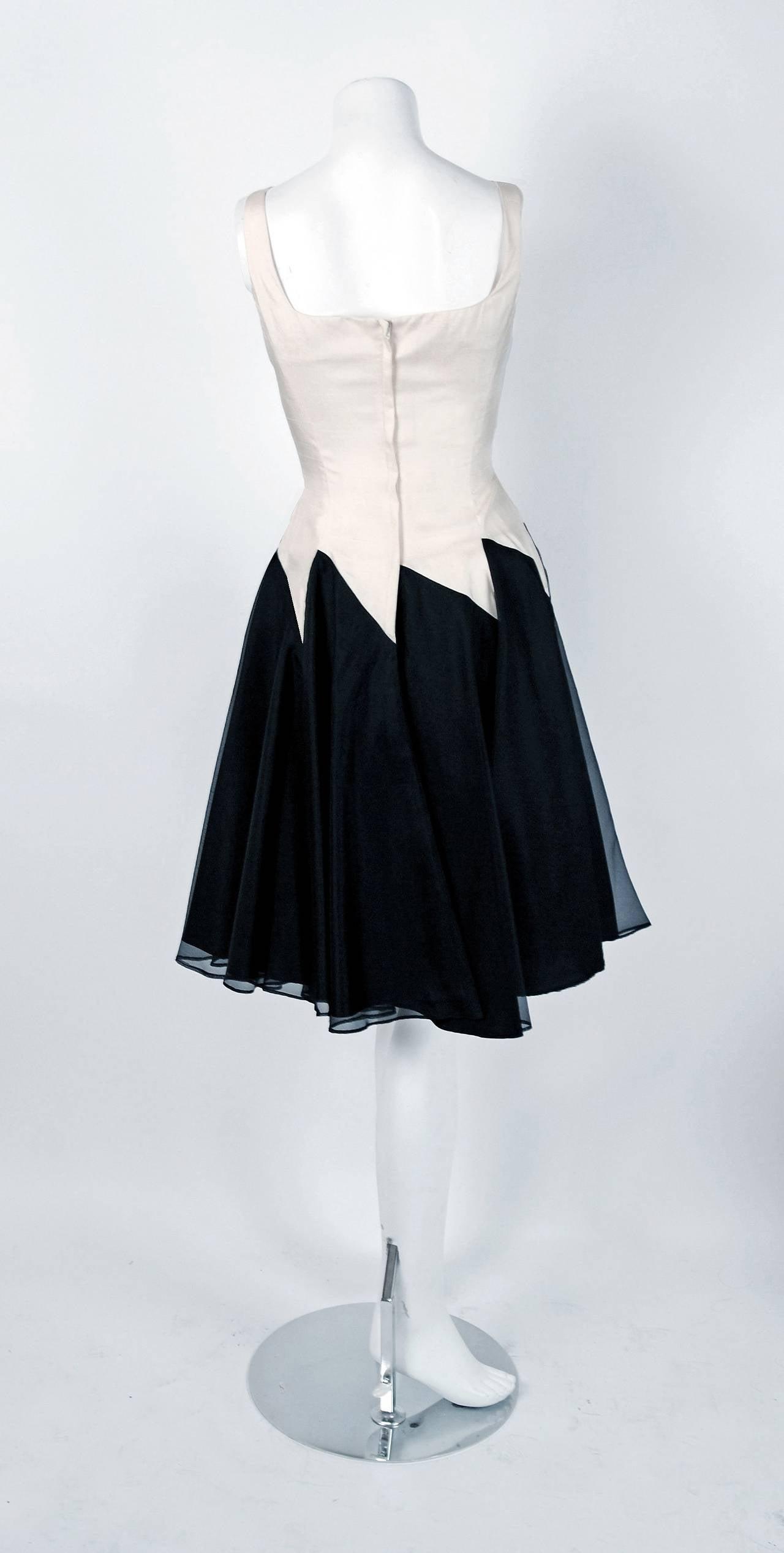 1950's Jane Andre Black & Ivory-White Graphic Silk Sleeveless Full Party Dress 4