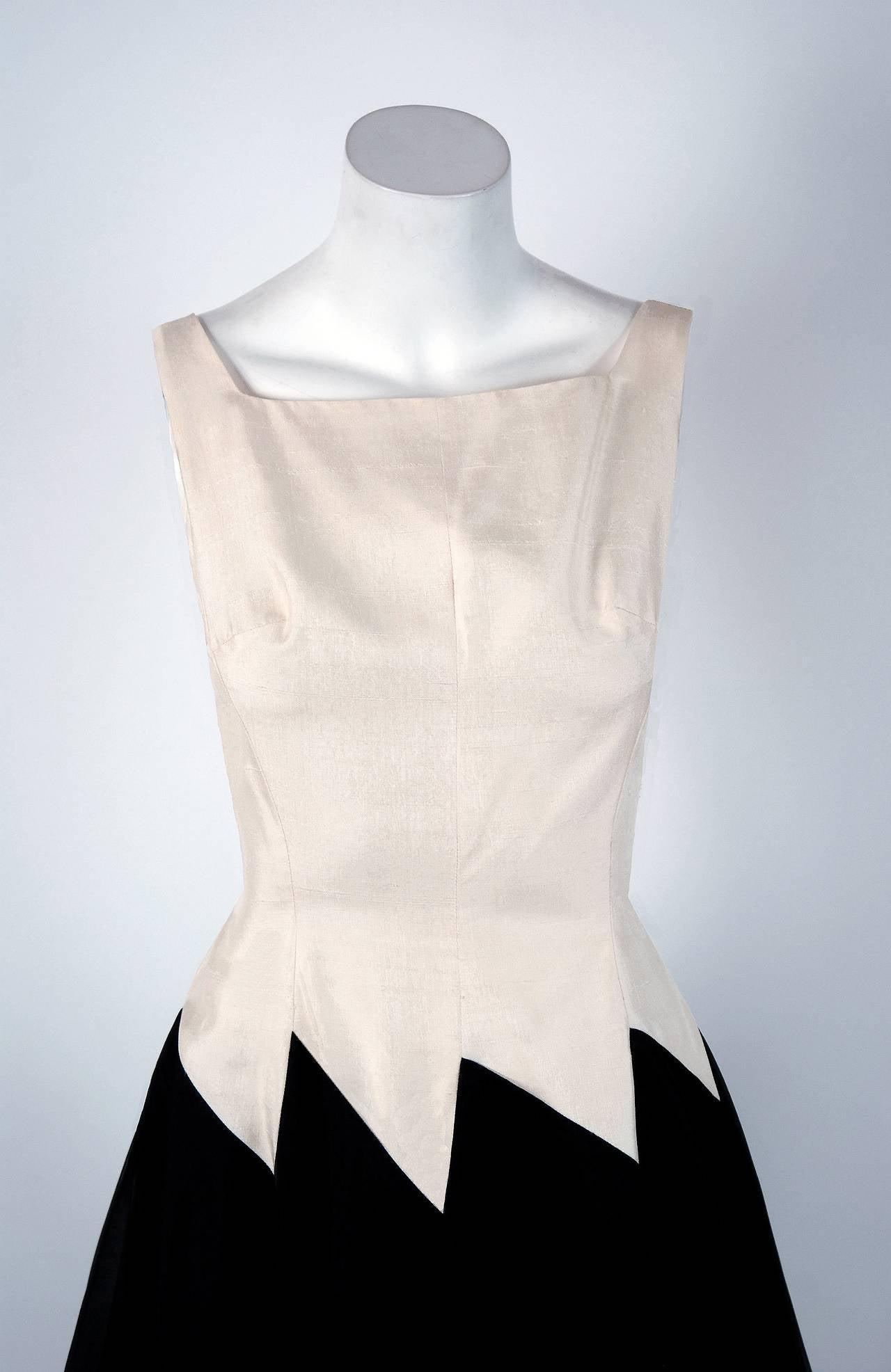 1950's Jane Andre Black & Ivory-White Graphic Silk Sleeveless Full Party Dress 2
