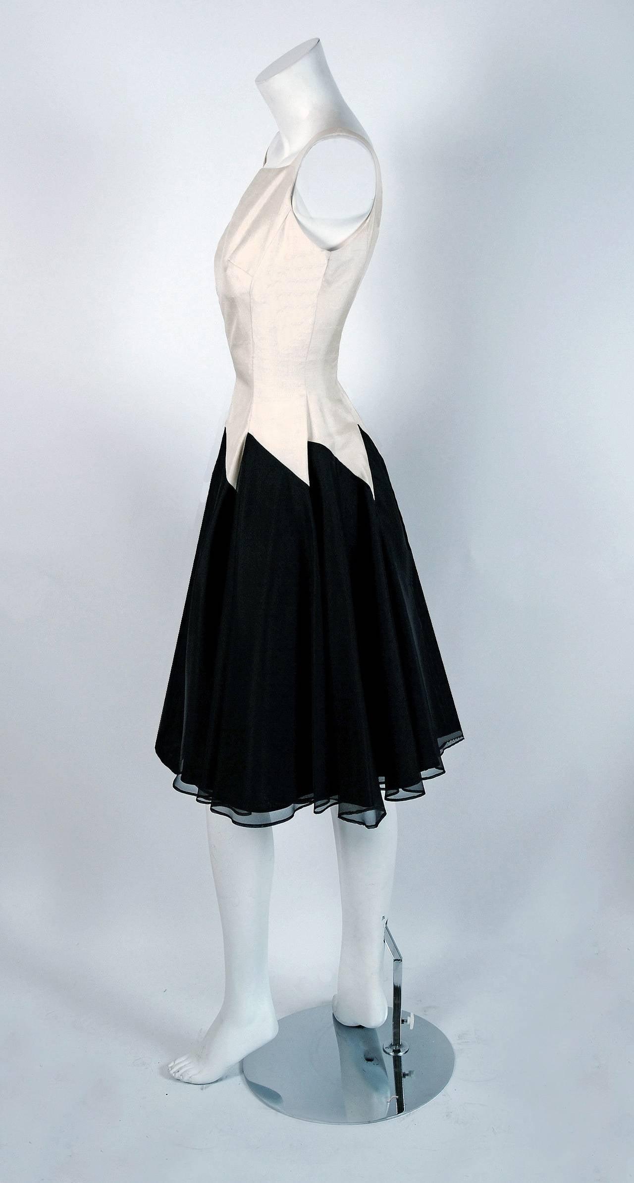 1950's Jane Andre Black & Ivory-White Graphic Silk Sleeveless Full Party Dress 3