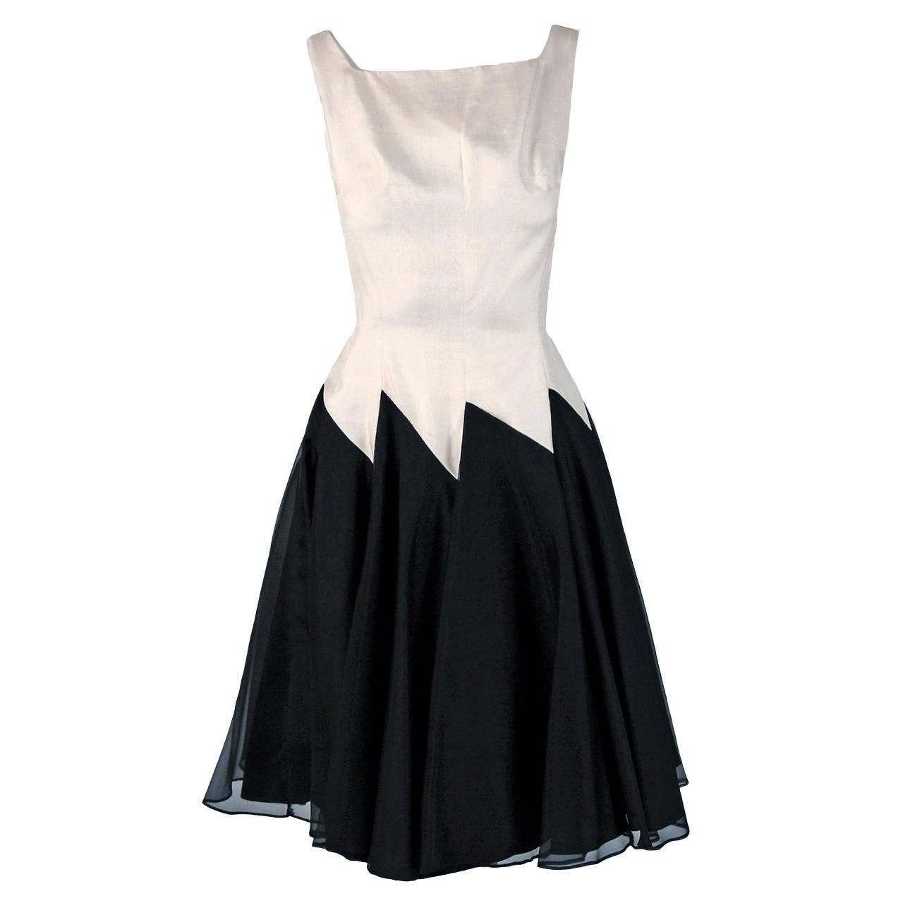 1950's Jane Andre Black & Ivory-White Graphic Silk Sleeveless Full Party Dress 1