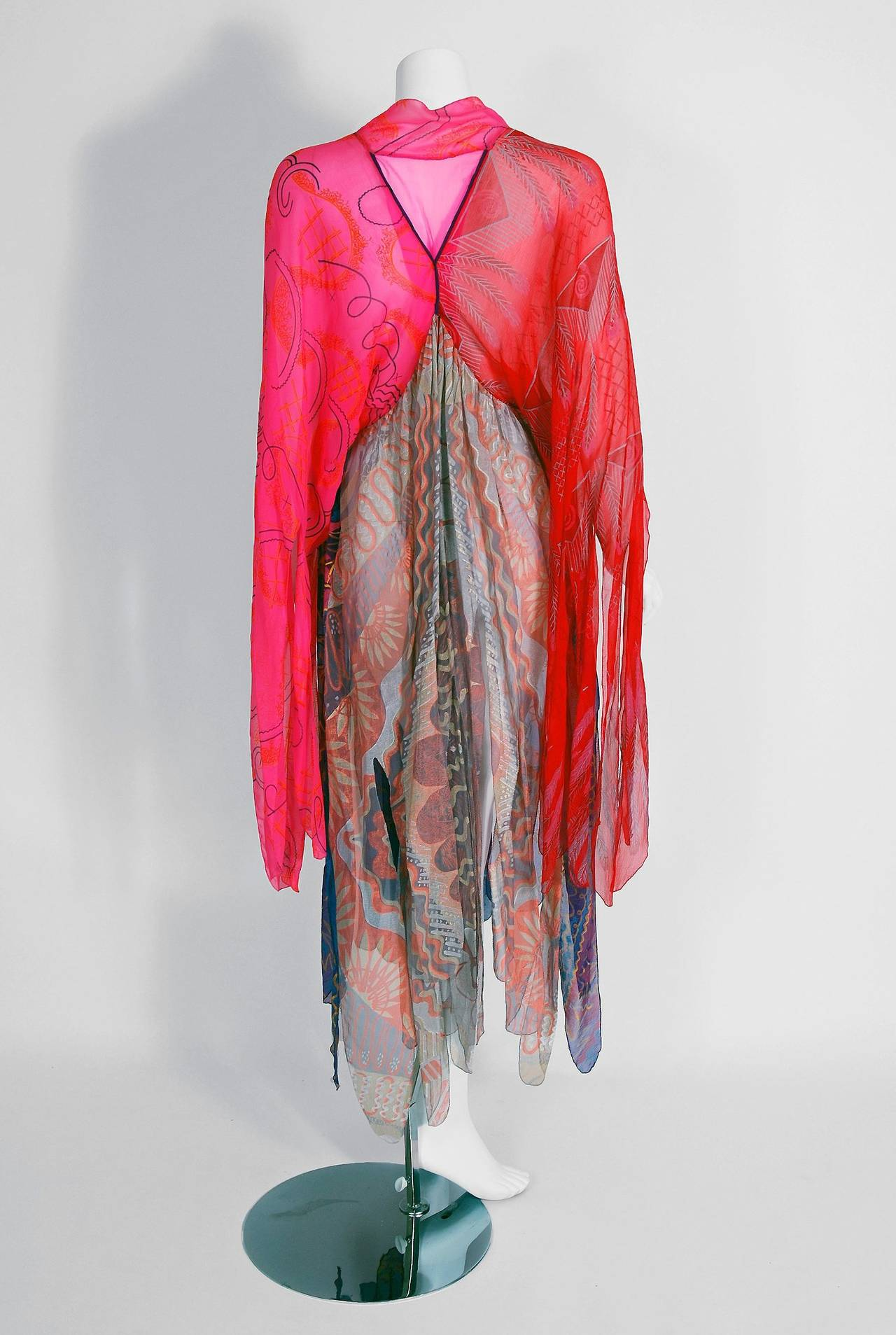 1972 Zandra Rhodes Hand-Painted Indian Feathers & Lillies Silk Caftan Dress For Sale 1
