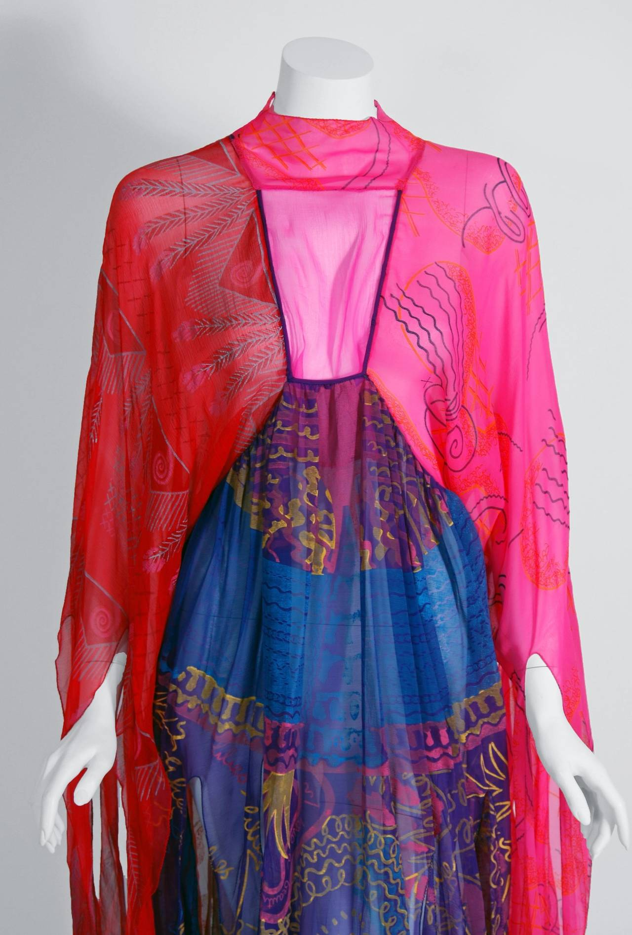 1972 Zandra Rhodes Hand-Painted Indian Feathers & Lillies Silk Caftan Dress 2