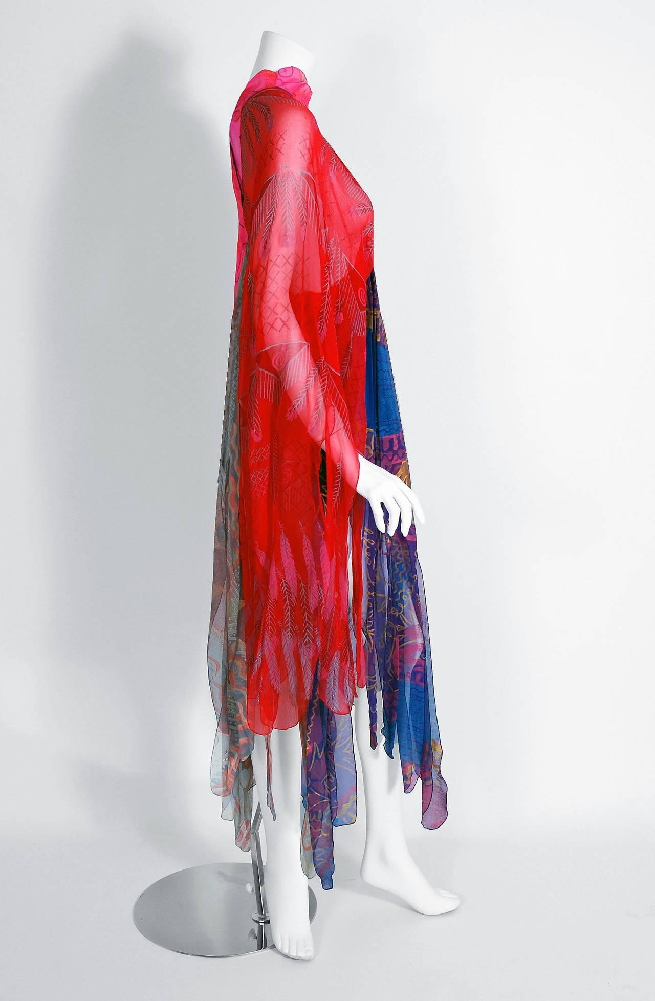 1972 Zandra Rhodes Hand-Painted Indian Feathers & Lillies Silk Caftan Dress 3