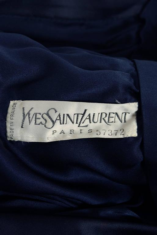 Women's 1979 Yves Saint Laurent Haute-Couture Navy Silk & Satin Kimono Sash Wrap Dress For Sale