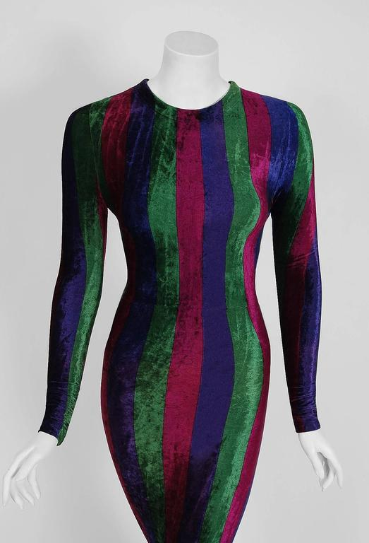 1993 Gianni Versace Couture Striped Velvet Hourglass Long-Sleeve Gown Dress  In Excellent Condition For Sale In Beverly Hills, CA
