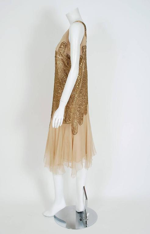 Breathtaking and ultra-rare Elspeth Champcommunal haute-couture metallic gold-lame and champagne silk-chiffon flapper dress dating back to 1925. Elspeth Champcommunal was a British fashion designer and the first editor of Vogue in Britain. She was