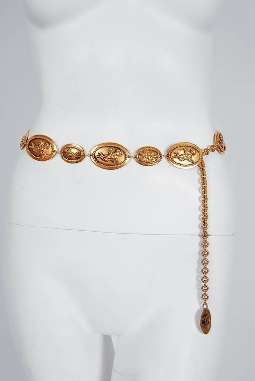 1984 Chanel Rare Cherub Angels Novelty Medallions Gold-Tone Chain Link Belt For Sale 1