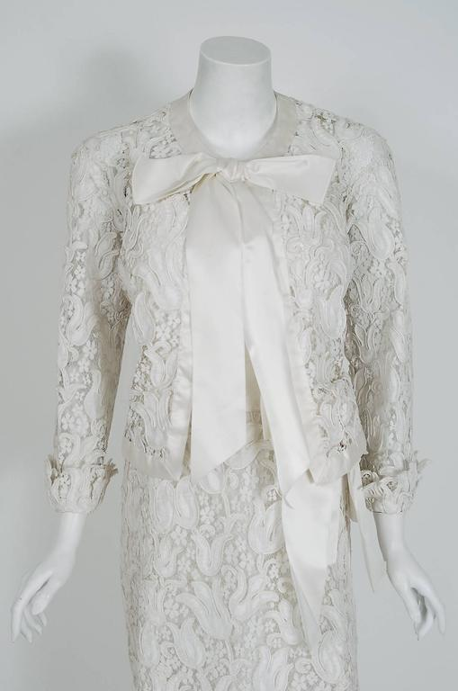 1966 Chanel Haute-Couture White Tulip Novelty Lace & Satin Party Dress Ensemble 3