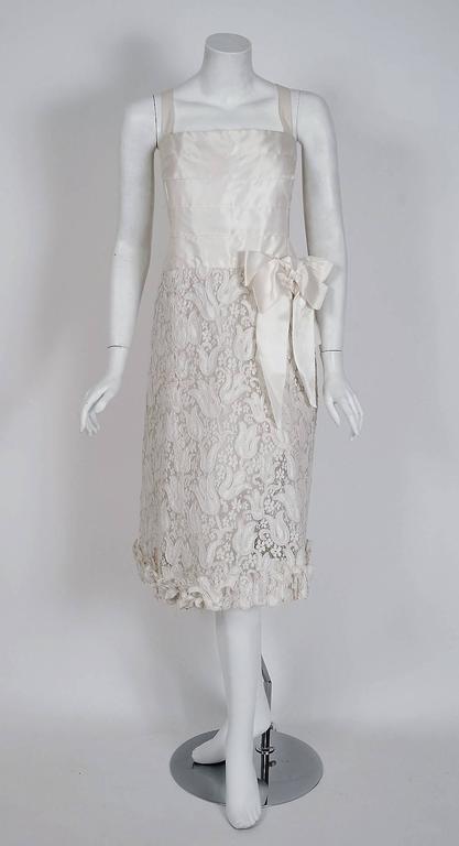 1966 Chanel Haute-Couture White Tulip Novelty Lace & Satin Party Dress Ensemble 4
