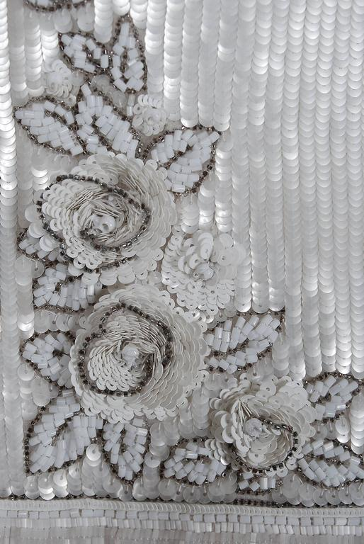 1985 Karl Lagerfeld for Chanel Haute-Couture Lesage Beaded Ivory Silk Gown In Excellent Condition For Sale In Beverly Hills, CA