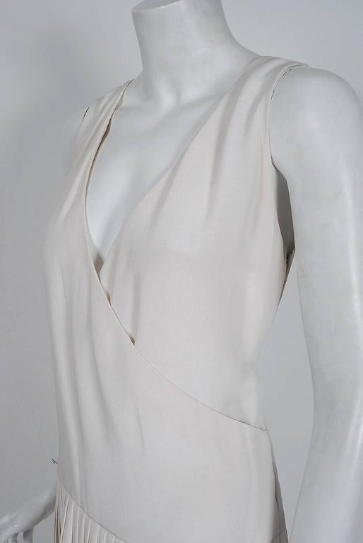 1980 Christian Dior Haute-Couture Ivory White Silk Pleated Drop-Waist Dress  In Excellent Condition For Sale In Beverly Hills, CA