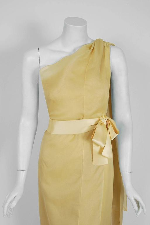 Beige 1969 Christian Dior Haute-Couture Yellow Silk One-Shoulder Grecian Goddess Gown For Sale