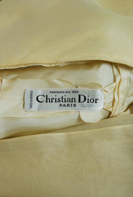 Women's 1969 Christian Dior Haute-Couture Yellow Silk One-Shoulder Grecian Goddess Gown For Sale