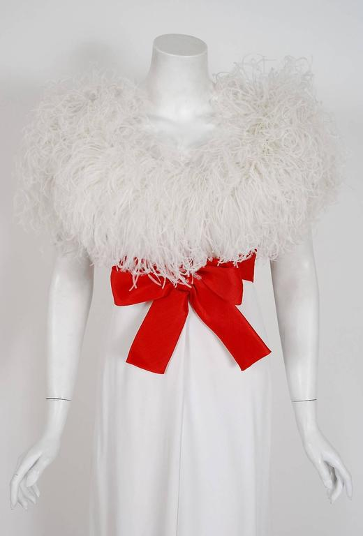 1972 Valentino Haute-Couture White Crepe & Ostrich Feathers Empire Formal Gown 2