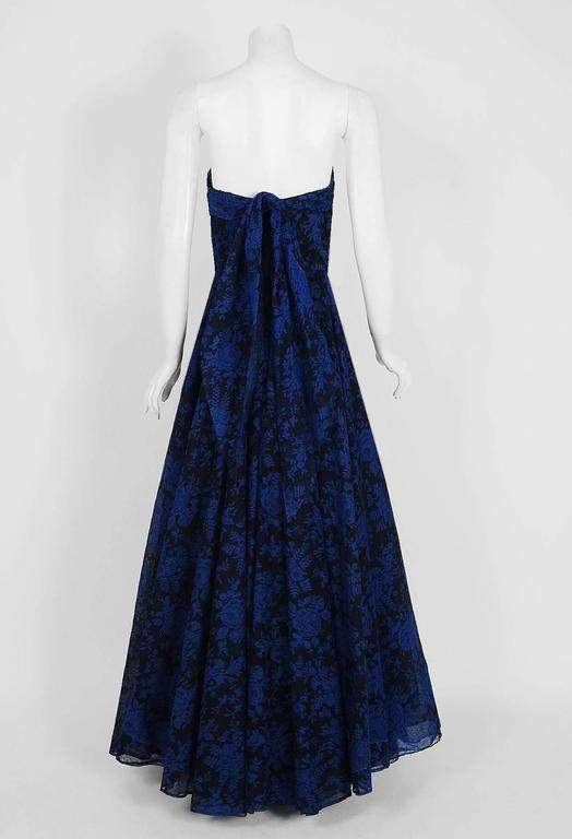 1950's Elizabeth Arden Couture Blue-Roses Lace Strapless Hourglass Trained Gown For Sale 1