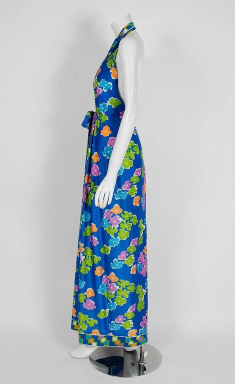 Vintage 1977 Oscar de la Renta Colorful Graphic Print Halter Backless Maxi Dress In Good Condition For Sale In Beverly Hills, CA