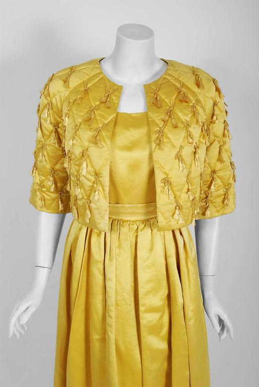 In this gorgeous Jane Derby designer ensemble, the detailed construction and meticulous attention to detail are comparable to what you will find in modern Haute-couture. Jane Derby was known as a high-end New York boutique, opening in 1936. In 1965,