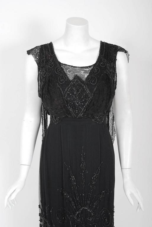 1910's Edwardian Couture Black Beaded Silk & Lace Art-Nouveau Evening Gown In Excellent Condition For Sale In Beverly Hills, CA