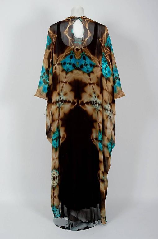 1972 Halston Couture Graphic Tie-Dye Print Silk Bohemian Maxi Dress Caftan For Sale 1
