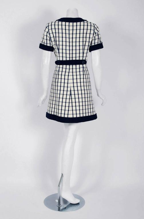 1967 Courreges Couture Navy-Blue Ivory Checkered Wool Mod Space-Age Mini Dress For Sale 2