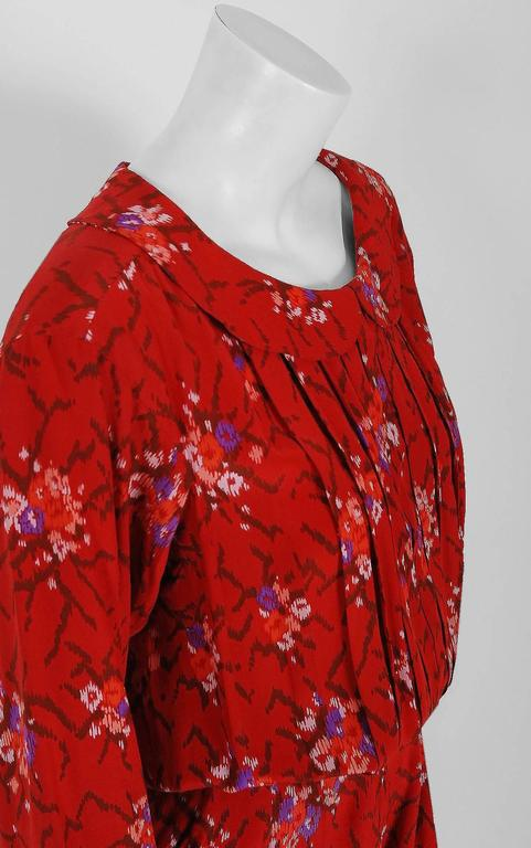 1977 Lanvin Haute-Couture Graphic Red Floral Silk Pleated Blouson Jumpsuit In Excellent Condition For Sale In Beverly Hills, CA