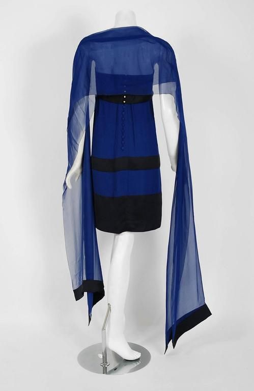 1992 Chanel Runway Sapphire-Blue & Black Silk Strapless Bow Dress with Shawl In Excellent Condition For Sale In Beverly Hills, CA