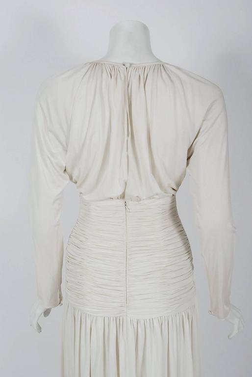 1992 Oscar de la Renta Ivory-White Ruched Silk Grecian Goddess Gown w/Tags In New Condition For Sale In Beverly Hills, CA