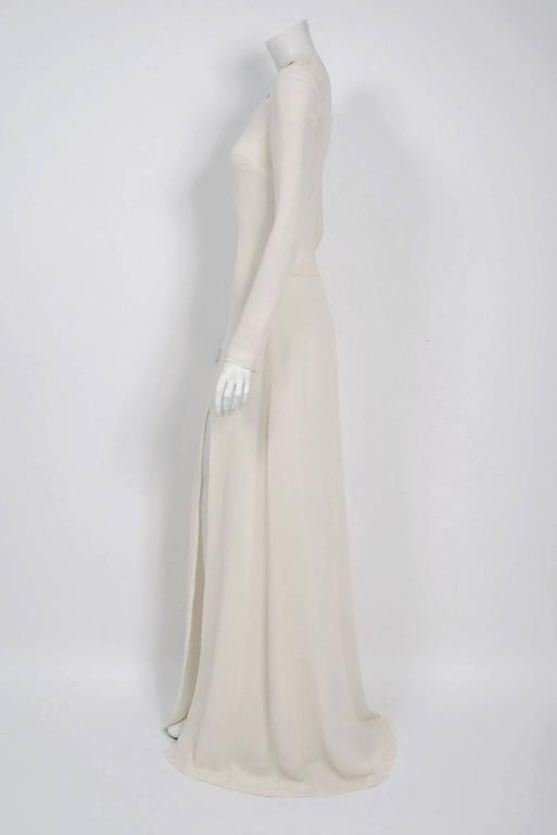Women's 2006 Alexander McQueen Documented White Silk Crepe Chain Plunge High-Slit Gown For Sale