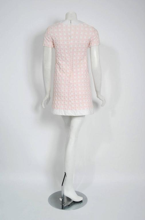 Women's 1966 Pierre Cardin Paris Pink & White Textured Cotton Space-Age Mod Mini Dress For Sale