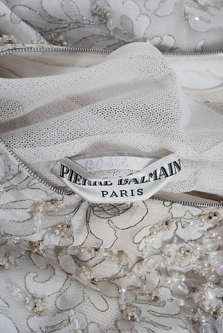 Vintage 1965 Pierre Balmain Couture Ivory Beaded Lace Strapless Bridal Gown For Sale 3