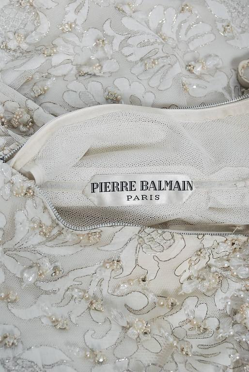 1963 Pierre Balmain Haute Couture Ivory Beaded Metallic Lace Strapless Gown For Sale 2