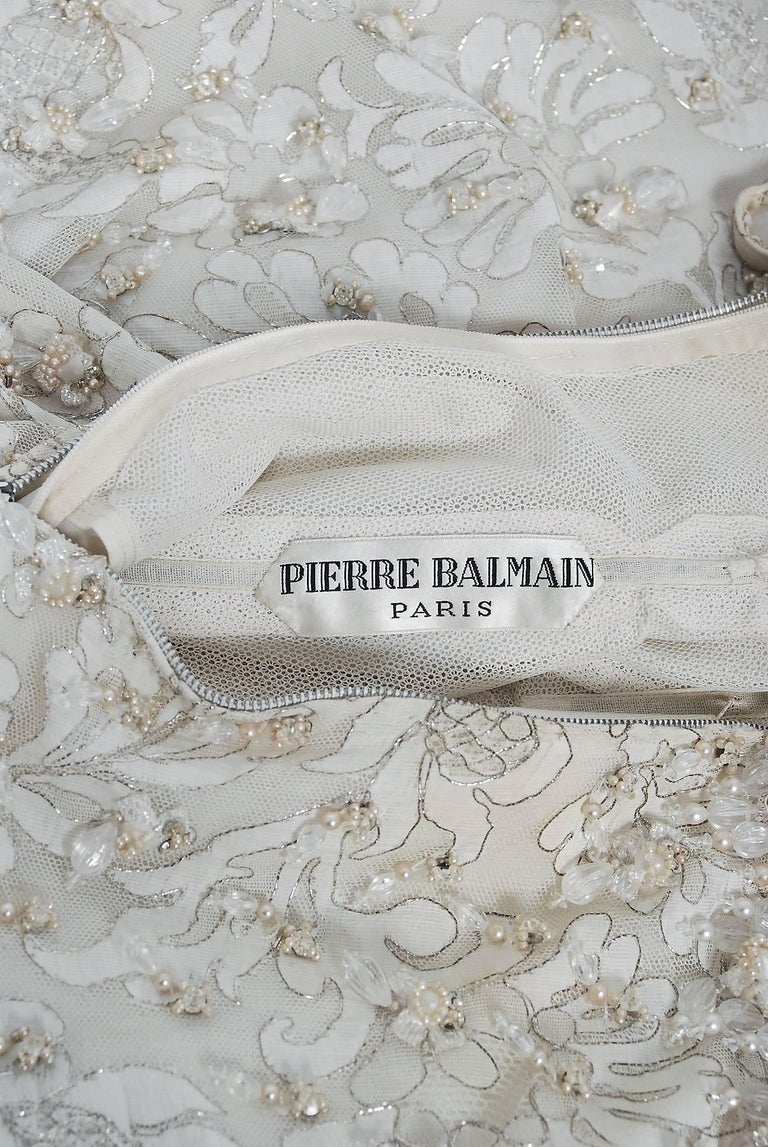 Vintage 1965 Pierre Balmain Couture Ivory Beaded Lace Strapless Bridal Gown For Sale 2