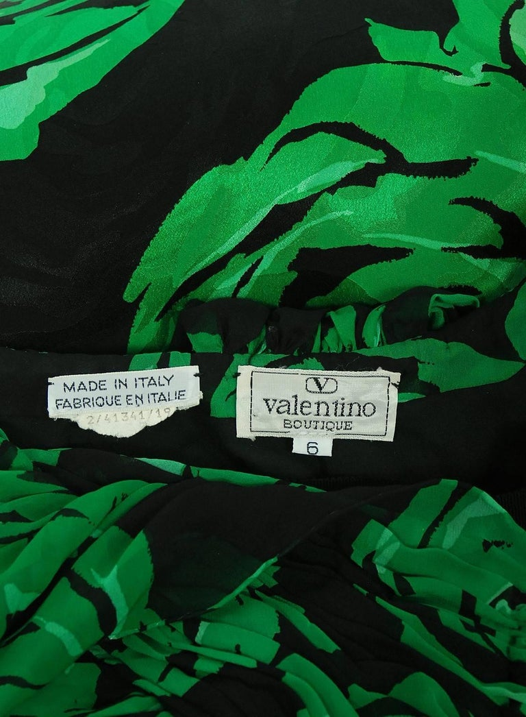 Vintage 1979 Valentino Green Roses Floral Draped Silk Criss-Cross Halter Gown For Sale 3