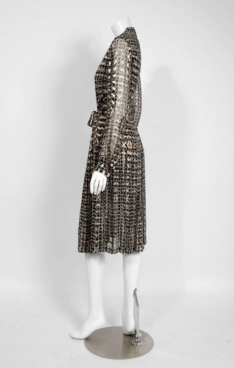 1975 Chanel Haute-Couture Metallic Black White Graphic Pleated Silk Belted Dress 5